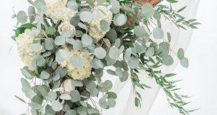 Arbor Corner piece Alle weißen Blumen & Grünpflanzen Hortensien Rosen Eukalytp...