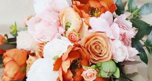 Get the Look: Colorful Wedding Bouquets