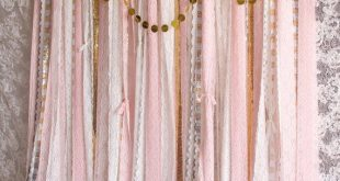 Rosa weiße Spitze Pom Poms Blumen Glanz Stoff Hintergrund Hochzeit Zeremonie Bühne, Geburtstag, Baby-Dusche-Neugeborenen-Partei-Hintergrund-Garland